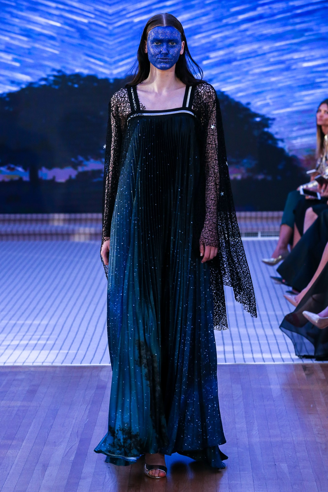 Ilse Jara Resort Fall Winter 2018 Collection Dubai Fashion Week