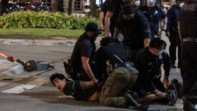 صورة بالفيديو : وحشية في التعامل مع المتظاهرين في أمريكا من قبل الشرطة(يحتوي مشاهد عنيفة)