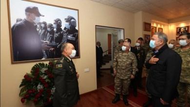 صورة وزير الدفاع التركي يزور القوات المسلحة التركية في اذربيجان
