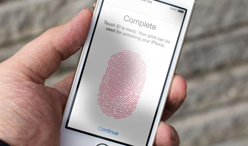 شركة Apple قد تتخلي كلياً عن مستشعر بصمة الأصابع