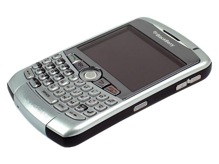 شاشة الهاتف ، نسبة الشاشة إلى الجسم ، BlackBerry Curve