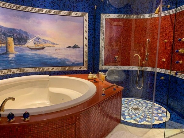 Burj Al Arab suite bathroom
