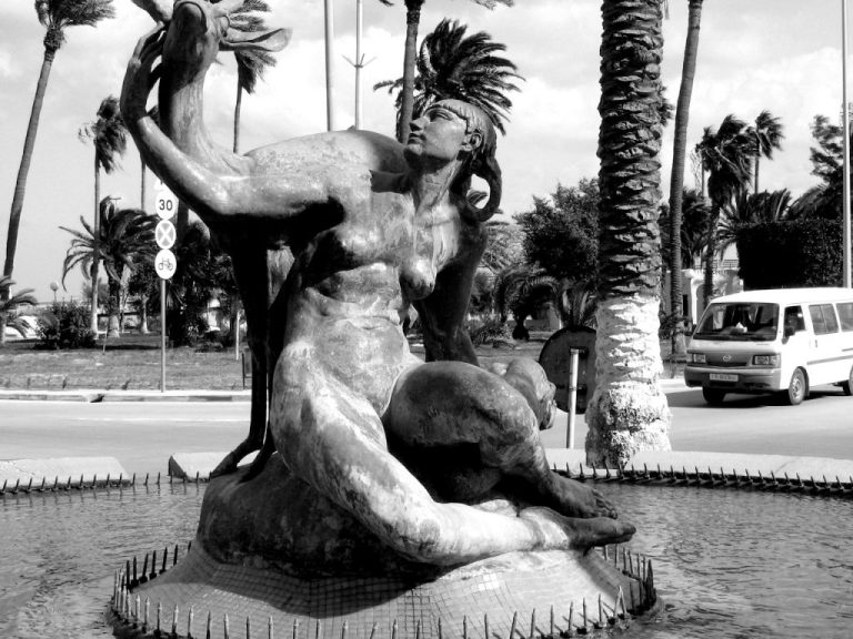 tripoli-mermaid-sculpture-closeup