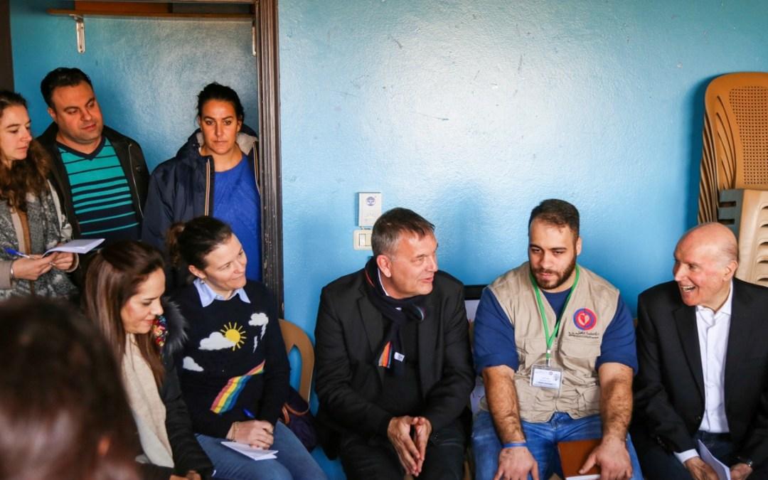 منسق الأمم المتحدة وممثلة منظمة الصحة العالمية وأوتشا يتفقدون مركز عامل في كامد اللوز