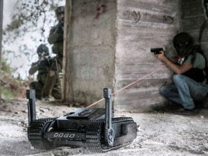 دوجو، الروبوت الإسرائيلي القاتل الذي يزن 12 كيلوغرام، ملك شركة General Robotics Ltd، يمكنه حمل مسدس جلوك 26 عيار 9مل (تصوير: General Robotics)