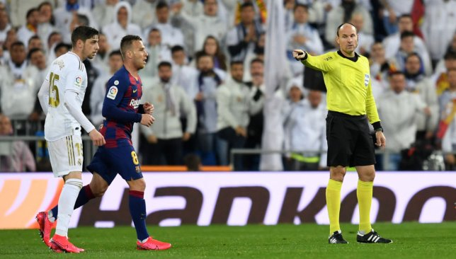 Spherical slips .. Is the mouse inclined to Barcelona and Real Madrid?