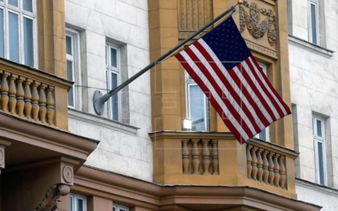 "دبلوماسيو واشنطن ""المطرودون"" يغادرون موسكو"