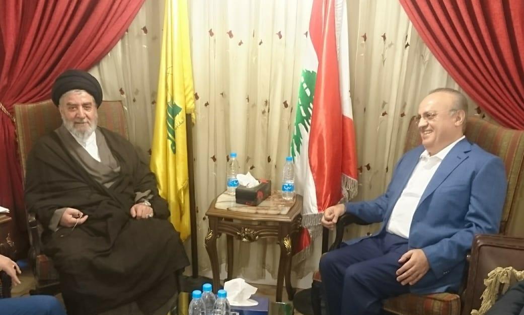 وهاب بعد زيارته سماحة السيد إبراهيم أمين السيد: على رئيس الحكومة إعطاء الأولوية للمصلحة اللبنانية على بعض الوشوشات أو الإملاءات الخارجية