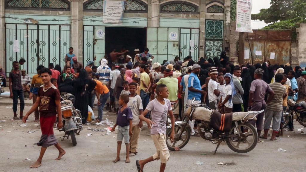 اليمن… عشرات القتلى والجرحى في هجوم على حافلة تقل أطفالاً