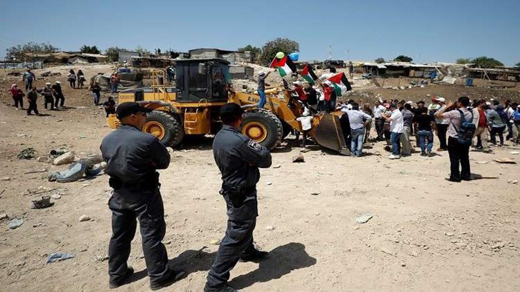 """مخطط استيطاني للاستيلاء على 139 دونماً شرق رام الله وافتتاح شارع """"الأبرتهايد"""" بالقدس"""