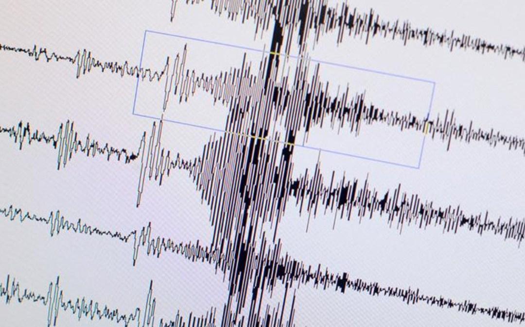 زلزال عنيف بقوة 6 درجات يضرب غرب إيران