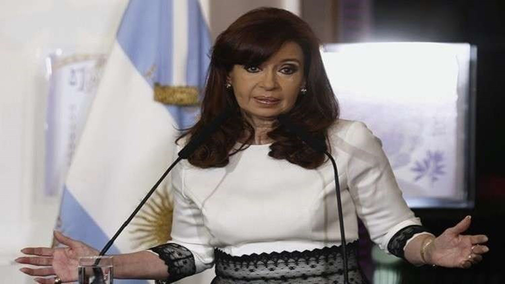 اتهام رئيسة الارجنتين السابقة كريستينا كيرشنر رسميا بالفساد