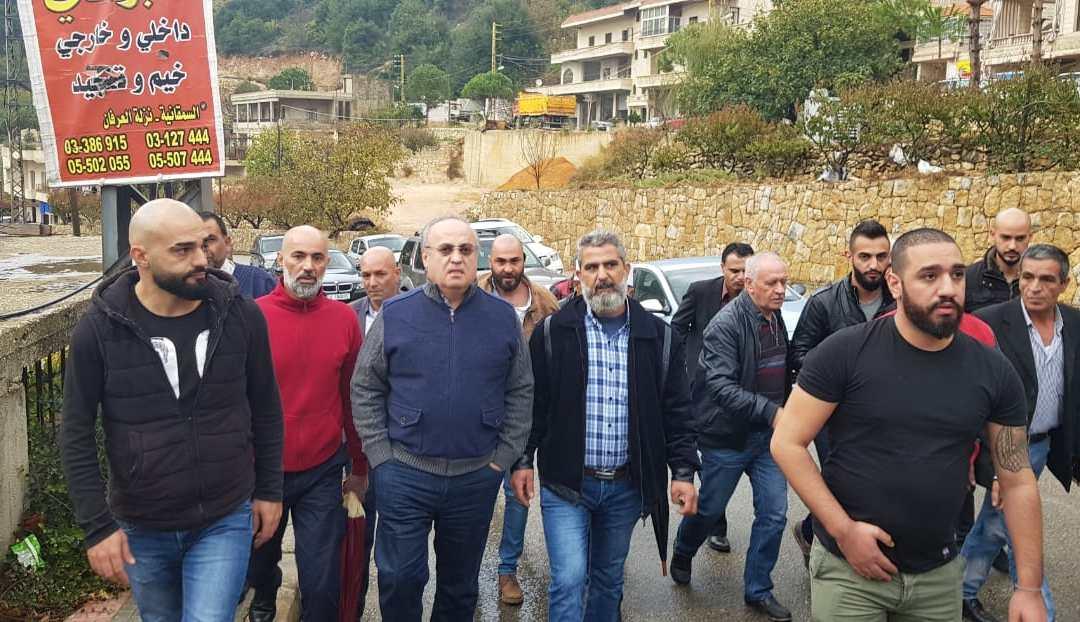 وهاب زار بلدة نيحا الشوف وجال فيها