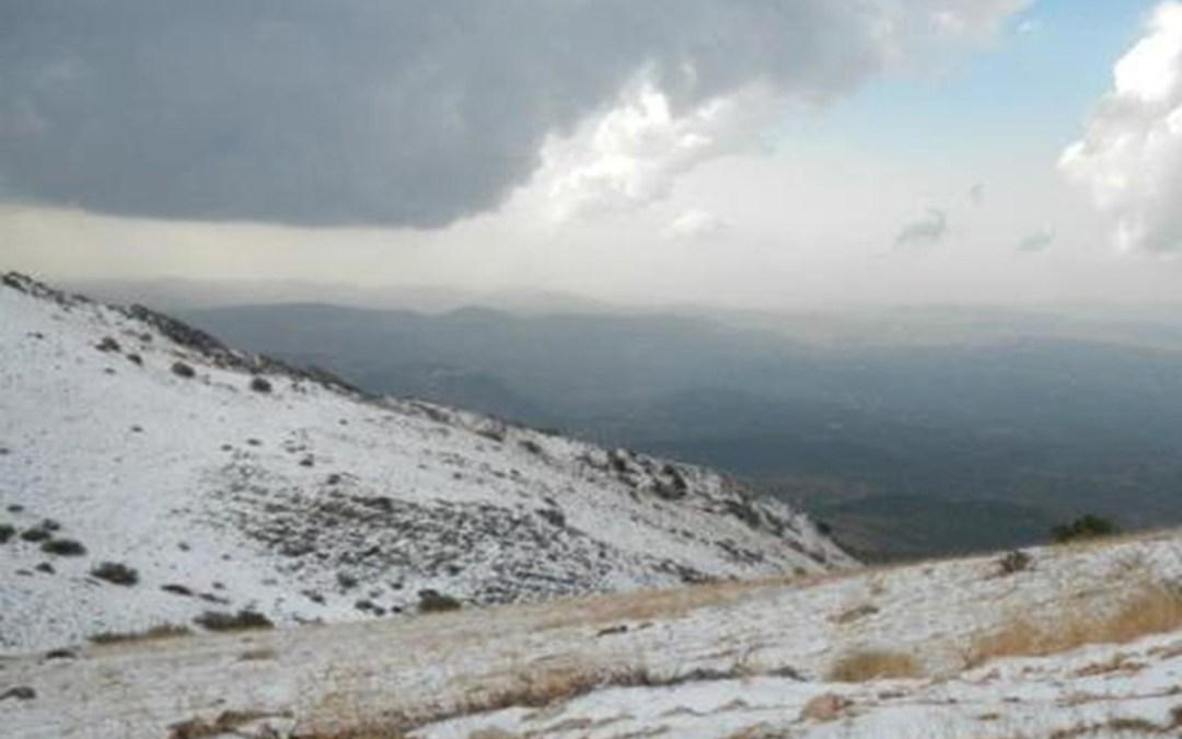 الطقس الخميس  ماطر الى عاصف والثلوج على 1200 متر