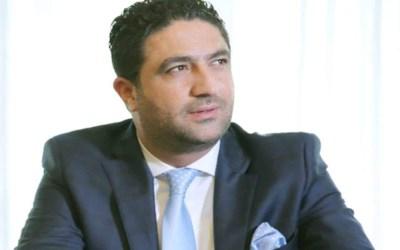 التوحيد العربي: الوزير الغريب لا يشرفه مصافحة صاحب الأيادي الملطخة بأموال النازحين