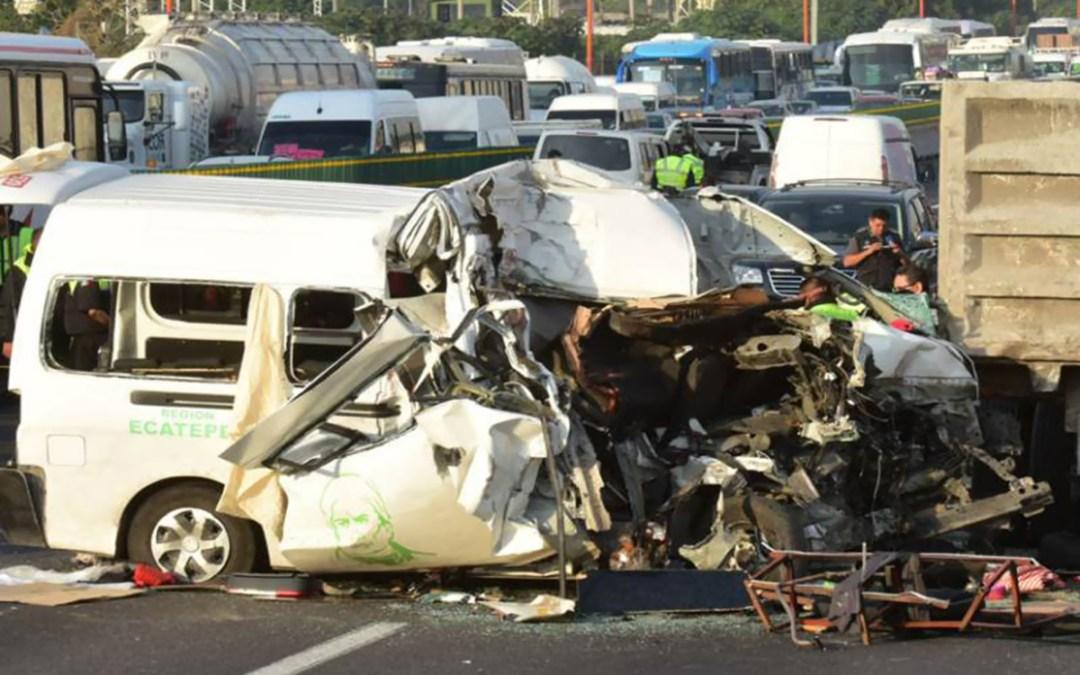 5 قتلى وأكثر من 30 جريحا في حادث مروري ضخم في تكساس