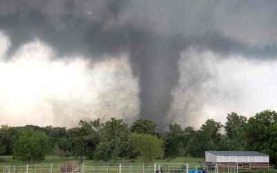 أعاصير تصل إلى تكساس وأوكلاهوما وخبراء الأرصاد يحذرون من المزيد