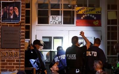 الشرطة الأمريكية تفشل في إخراج المعتصمين من السفارة الفنزويلية