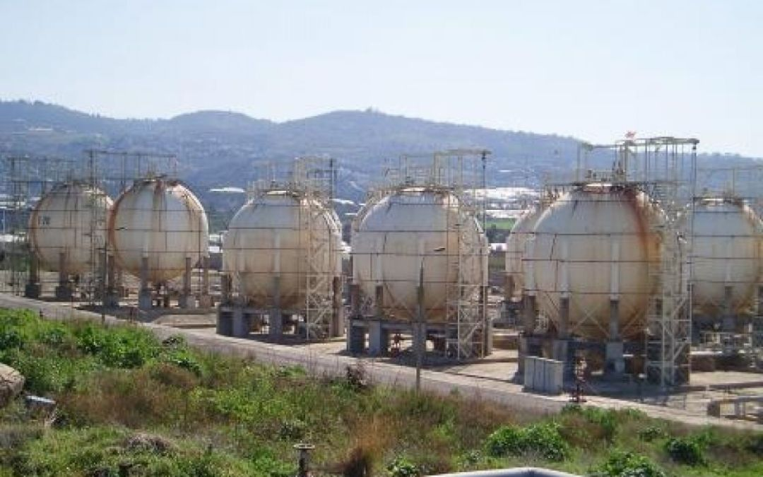 """مع استئناف عمل مصفاة """"بانياس"""" .. """"النفط"""" السورية تعد بحل قريب لأزمة البنزين"""