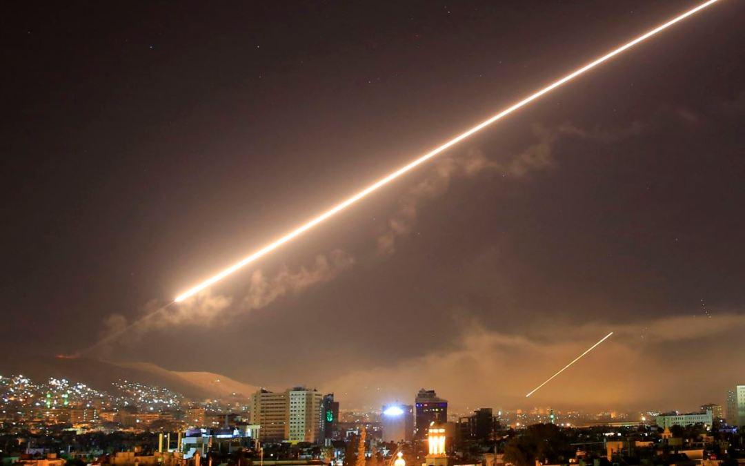 الدفاعات الجوية السورية تتصدى لعدوان إسرائيلي على محافظة حماه فجر اليوم ومصرع عائلة