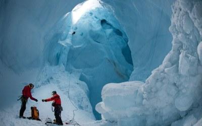 الشهر الأكثر حرارة منذ 140 عاماً.. وذوبان تاريخيّ للجليد!