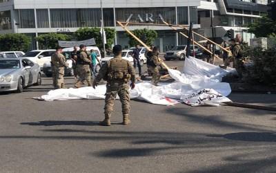 الجيش ازال خيم الحراك والمنصة الرئيسية من ساحة ايليا في صيدا