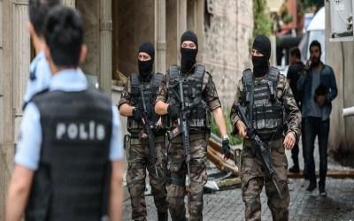 """السلطات التركية توقف 64 شخصا بتهمة الانتماء لـ""""داعش"""""""