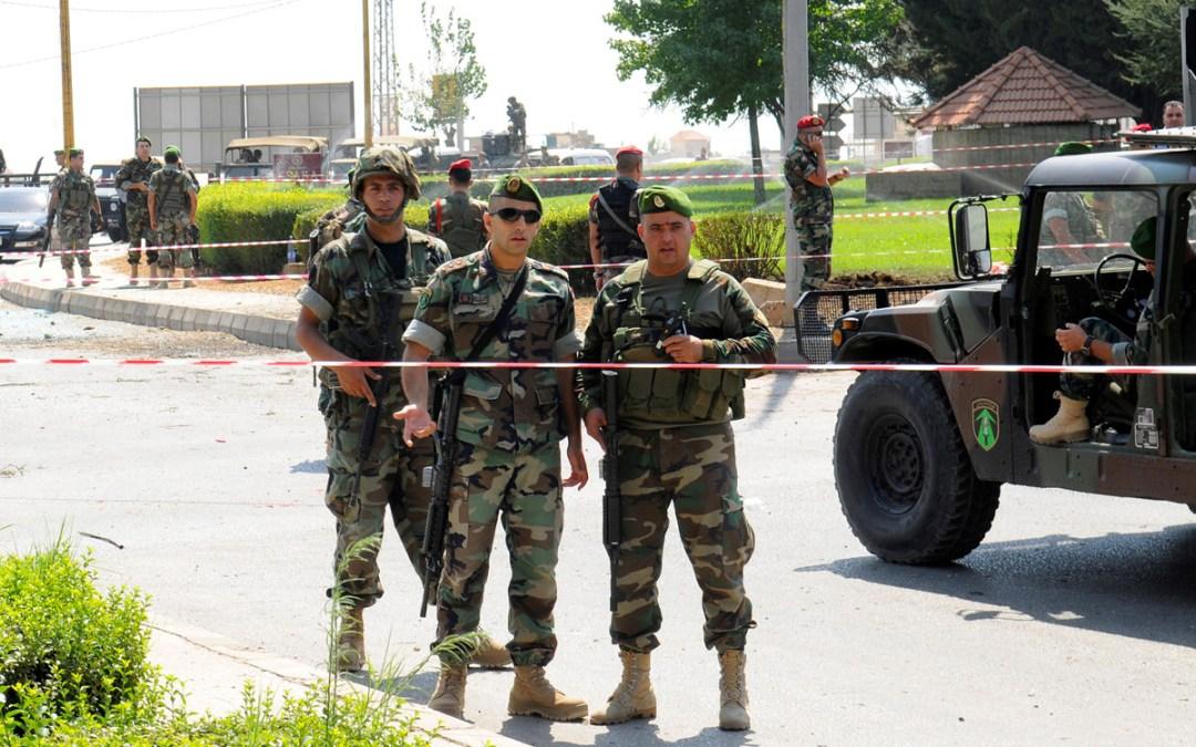 دوريات للجيش في سوق صيدا لإلزام التجار الإقفال وفق قرار التعبئة