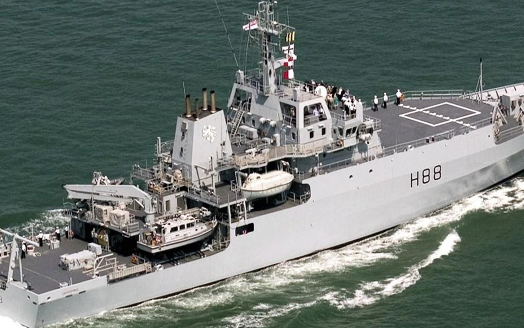 سفينة إنتربرايز إلى بيروت ضمن حزمة دعم لوزير الدفاع البريطاني