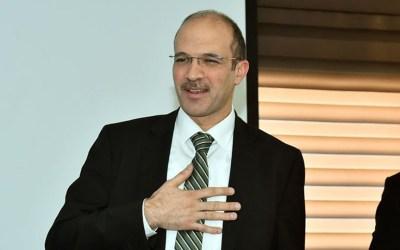وزير الصحة ملتزم الحجر بعد إصابة ثلاثة من أفراد مكتبه