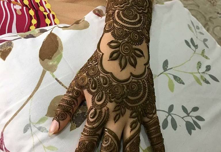 Latest Best Engagement Mehndi Designs 2020 For Hands