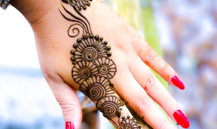 Stylish Back Hand Simple Arabic Mehndi Designs 2020 Images