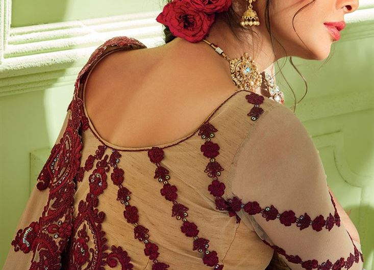 Most Stylish Latest Saree Blouse Designs Collection For 2020-2021