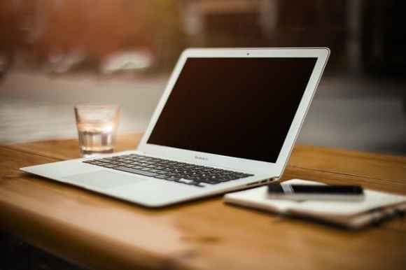 Apple - أبل
