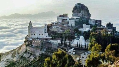 Photo of صور تفوق الخيال.. يمنيون يسكنون فوق السحاب