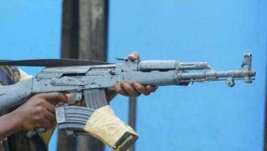Photo of طالب يقتل 6 من زملائه وحارسا في المدرسة