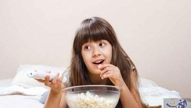 Photo of دراسة توضح سر إصابة الأطفال المنكبين على التلفزيون بالسمنة