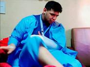 Photo of شاهد.. لحظة الاعتداء على بطل المصارعة بمصر