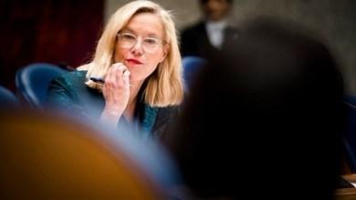 Photo of وزيرة هولندية تتبرع بـ13 مليون يورو للأونروا