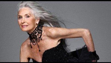 Photo of صور + فيديو.. أكبر عارضة أزياء عمرها 89 عاماً