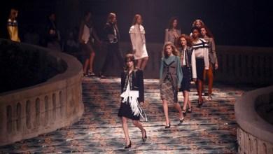 """Photo of أزياء تدعم حركة #MeToo من """"لويس فويتون"""""""