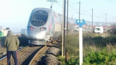 """Photo of قطار """"TGV"""" يصطدم بسيارة بالمغرب.. بعد ساعات من مسابقة للجودة"""