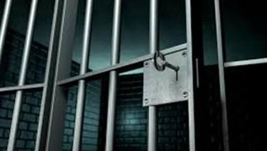 Photo of «زلة لسان» تجرّ فتاة إلى السجن