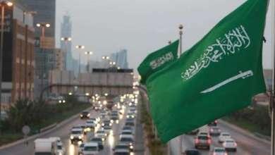 Photo of صورة نادرة تجمع ثلاثة ملوك سعوديين في عشيّة ماطرة