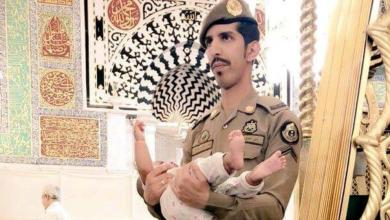 Photo of لفتة رجل أمن بالمسجد النبوي تثير إعجاب مغردين