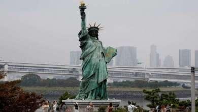 "Photo of شعلة تمثال الحرية الأصلية تنقل إلى ""موطنها الجديد"""