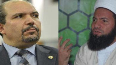 "Photo of الجزائر: الأئمة يهددون بالإضراب… ووزير الشؤون الدينية يتهم ""اليد الخفية""!"