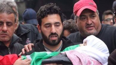 Photo of قبلة موت أخيرة في لبنان.. جثة طفل في مستشفى وأم تنتحب