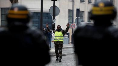 Photo of لماذا تستخدم شرطة فرنسا هذا السلاح ضد السترات الصفراء؟