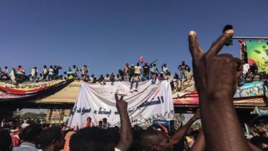 """Photo of المعارضة السودانية تهدد بـ""""العصيان المدني"""" وسط استمرار الخلافات مع المجلس العسكري"""